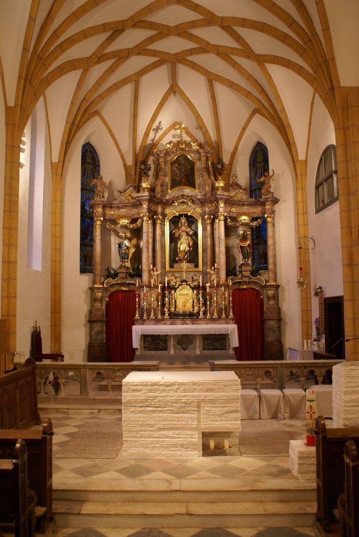 Image: Hauptaltar der der Pfarrkirche in Bleiburg/Pliberk, Foto: Milan Piko